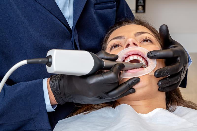 Eclinic 210 (1) - Eclinic Odontologia